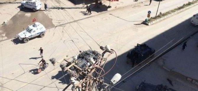 Hakkari'de polis aracından ateş açıldı: 4 ölü
