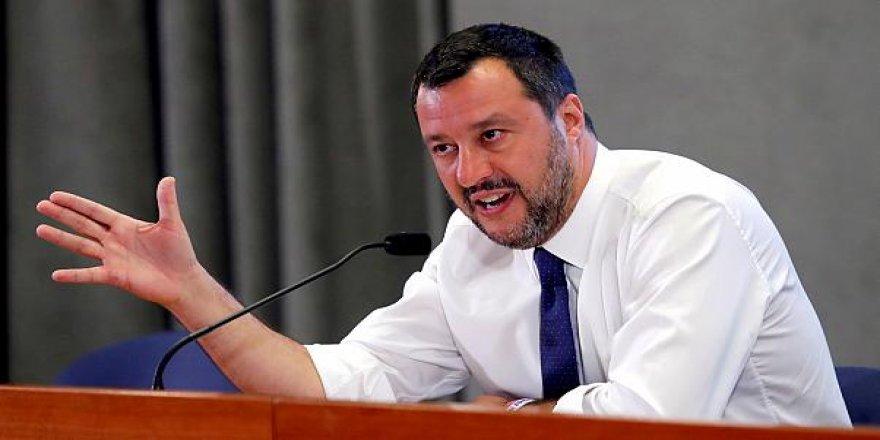 Salvini 15 yıla kadar hapisle yargılanacak
