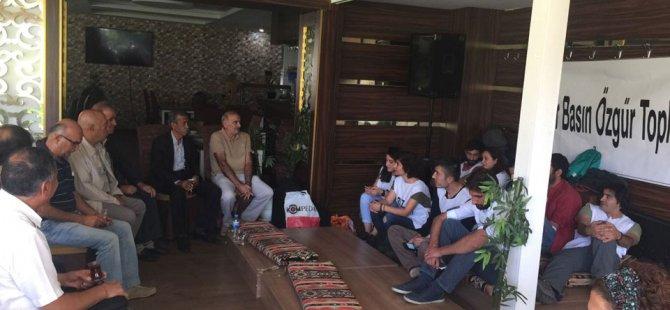 PAK'tan kapatılan tv lerin çalışanlarına dayanışma ziyareti