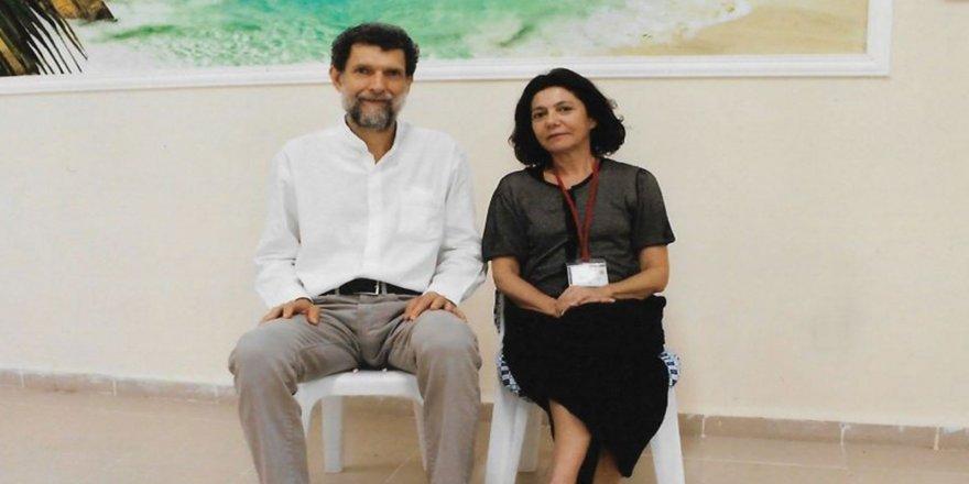 Kavala davasında 6. celse öncesi eşi Ayşe Buğra: 'Neden tutuklu yargılandığını öğrenmek istiyoruz'