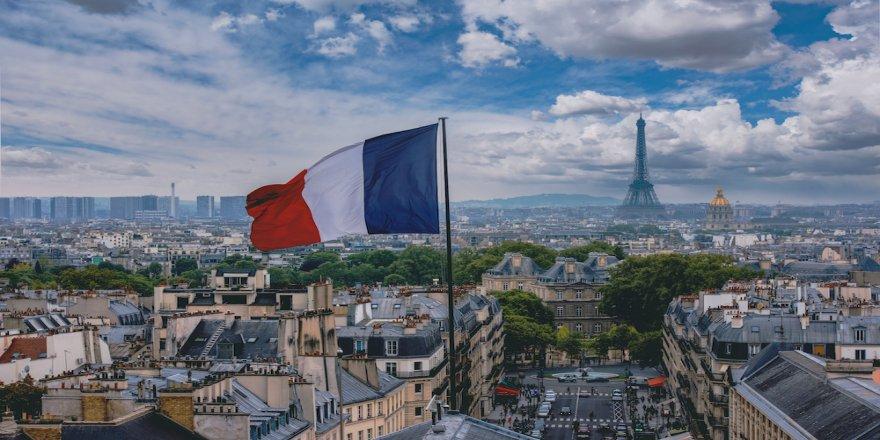 Fransa, Türkiye ve diğer yabancı ülkelerin imam ve öğretmen göndermesine son verecek