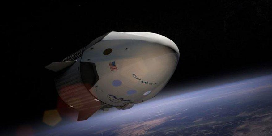 Uzay turizmi başlıyor: SpaceX ve Space Adventures ilk turistleri gelecek sene uzaya gönderiyor