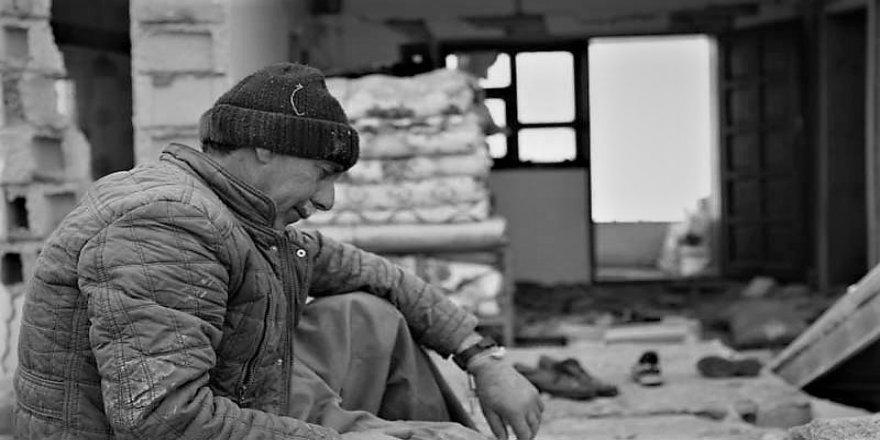 Van depremindeki ağıdıyla akıllara kazınan Arslan kalp krizi geçirdi