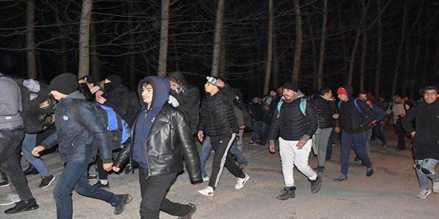 Türkiye'nin kararının ardından ilk grup sınırdan geçti