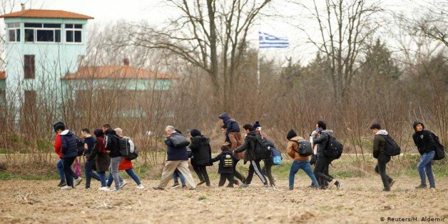 Türkiye'nin sığınmacı kararının ardından Yunanistan sınır kontrollerini artırdı